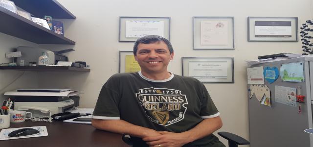 """""""Eu nunca vim trabalhar para ser membro da Academia Brasileira de Ciências. Eu fui eleito membro da academia porque estou fazendo meu trabalho bem feito"""", diz professor da Exatas, Aldo Zarbin"""